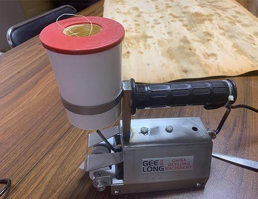 Manually Veneer Sewing Machine to Sewing Small Size Veneer